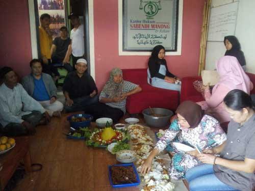 Eks Karyawati PPG Rayakan Kemenangan
