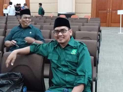 Uci Sanusih, Pemuda Semanan yang Ingin Berjuang di DPRD DKI