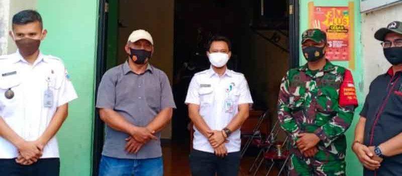 Ingatkan Prokes 3M, Ketua RW 010 Semanan Lakukan Siskamling