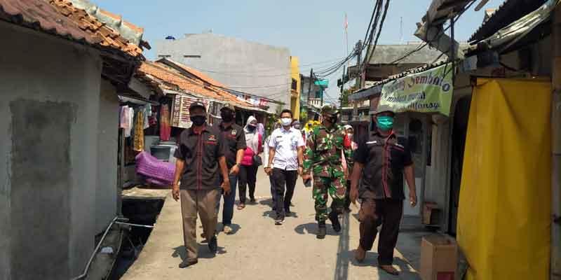 Gandeng LMK, Kelurahan Semanan Siskamling Ingatkan Prokes 3M